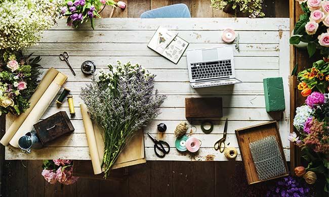 oborudovanie-dlja-cvetochnogo-magazina